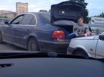 러시아의 흔한 자동차 견인법(동영상)