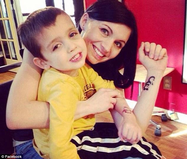 레비와 엄마(출처:http://wish.org/)