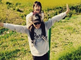 배우 이천희, 딸과의 행복한 일상 공개
