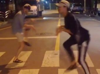 영화 '쥬라기 월드' 보고 돌아온 두 연예인(동영상)