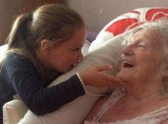 치매 걸린 할머니를 처음으로 만난 5살 증손녀의 반응(동영상)