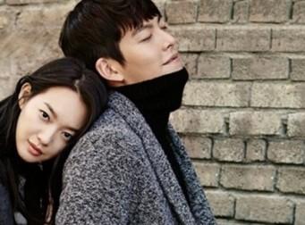 신민아 ♥김우빈, 동반 화보나들이…실제 연인의 '꿀케미'