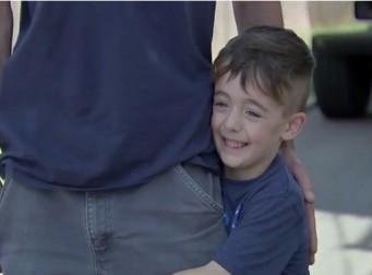 """""""아빠가 빨간불인데 지나갔어요"""" 경찰에 아빠 신고한 6세 아들 (사진3장)"""
