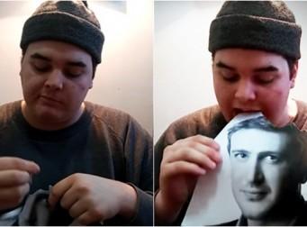 """""""당신이 내 사진을 먹을 때까지 먹겠다"""" 좋아하는 영화배우의 사진을 먹는 남성"""
