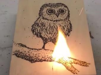 '불'을 사용해 그림을 그려낸 화가 (동영상)