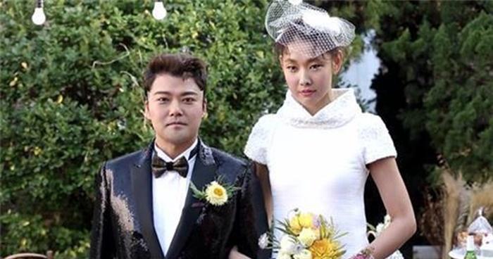 """""""전현무-한혜진, 진짜 '커플' 됐다"""" (+공식입장)"""